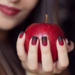 Как быстро высушить лак на ногтях: несколько секретов от стилистов
