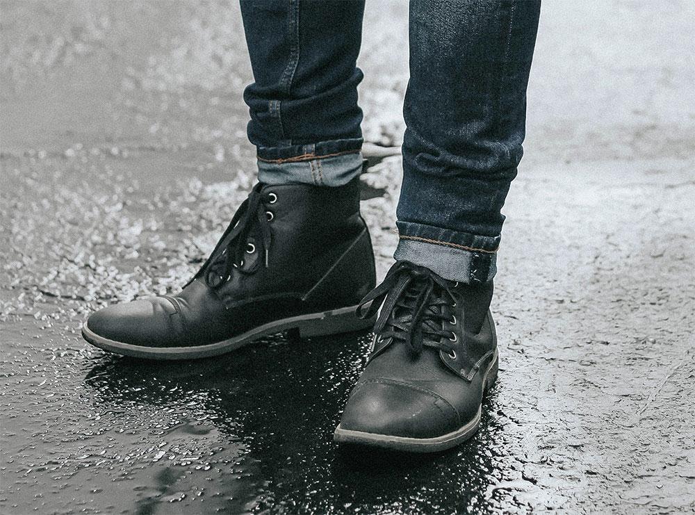 черные ботинки челси