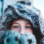 Красивые модели женских меховых шапок на зиму 2021 года