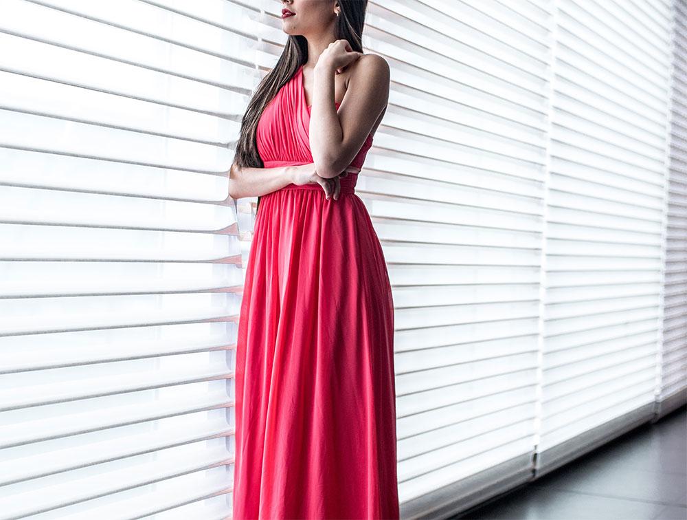 алое вечернее платье