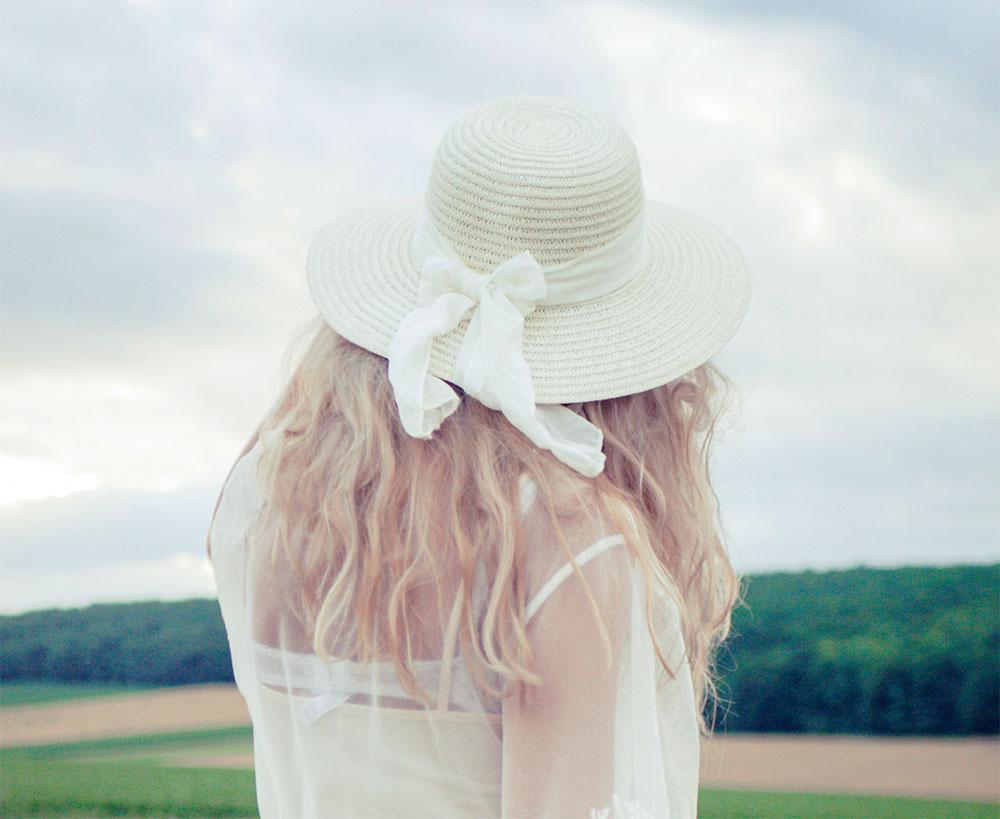 белая шляпа женская