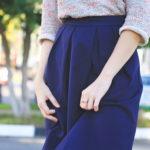 Лучшие фасоны женских юбок синего цвета 2021 года