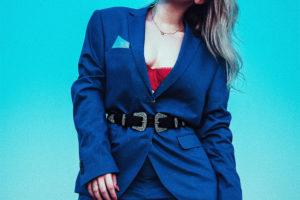 стильный синий пиджак