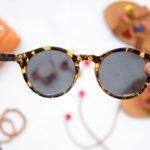 Как подобрать очки для овального лица: модные модели на фото